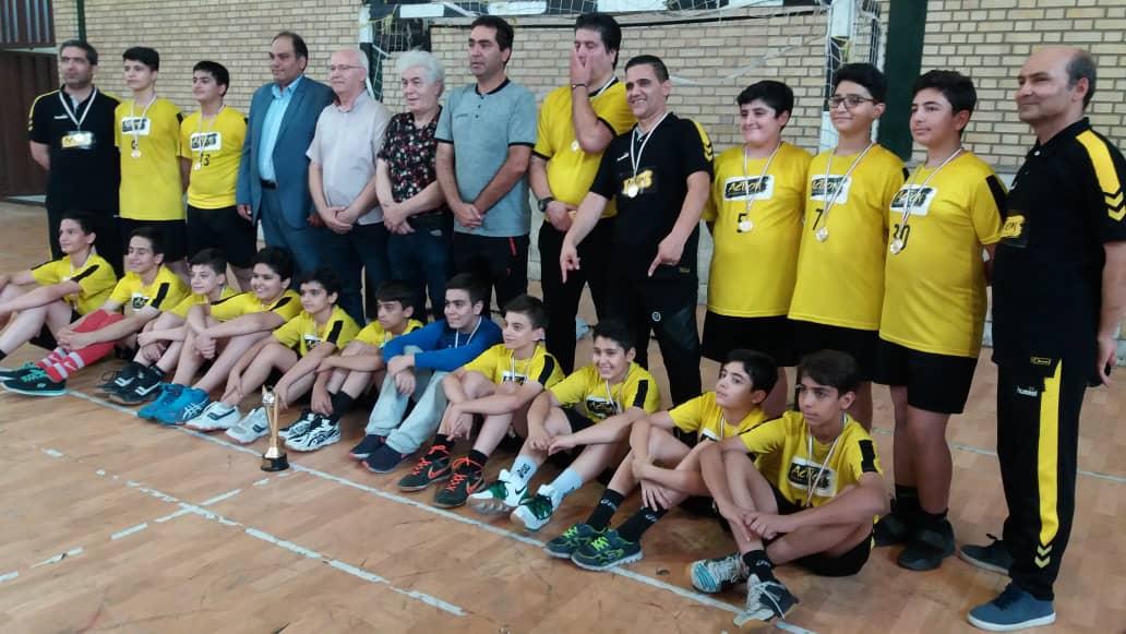تیم اکشن قهرمان مسابقات انتخابی هندبال استعدادهای برتر پسر استان تهران شد