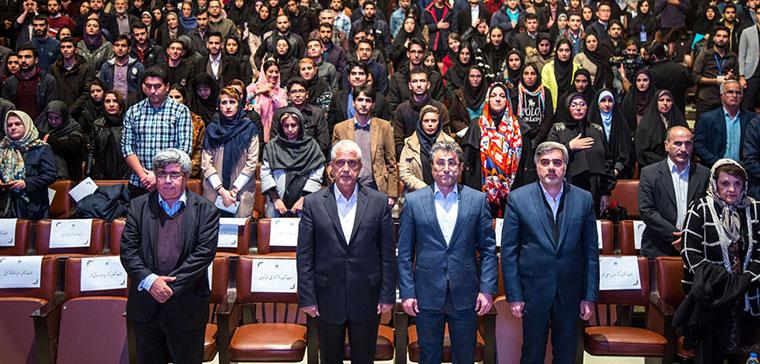 گروه صنعتی گلرنگ تعدادی دیگر از دانشجویان دانشگاه تهران را بورسیه کرد